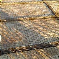 Beton pilləkanların yığılması beton işlərinin görülməsi