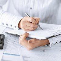 Aylıq, rüblük və illik maliyyə hesabatların hazırlanması